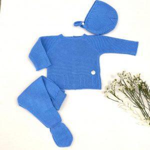 Conjunto tres piezas azul añil jersey manga larga y polaina con capota trenzas 100% algodón.