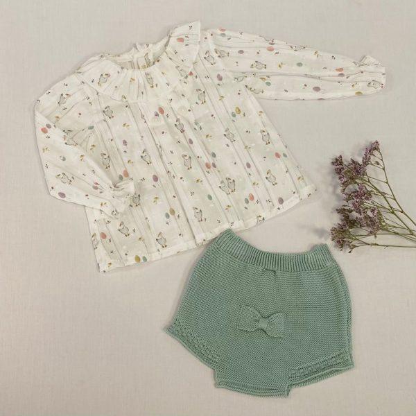 Conjunto dos piezas camisa manga larga de plumeti ocas y culetín verde seco