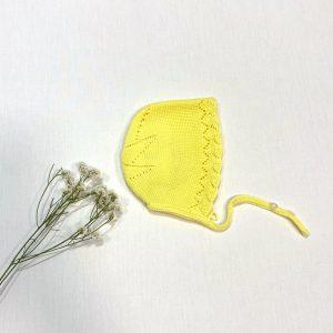 Capota punto calada estrella atrás amarillo