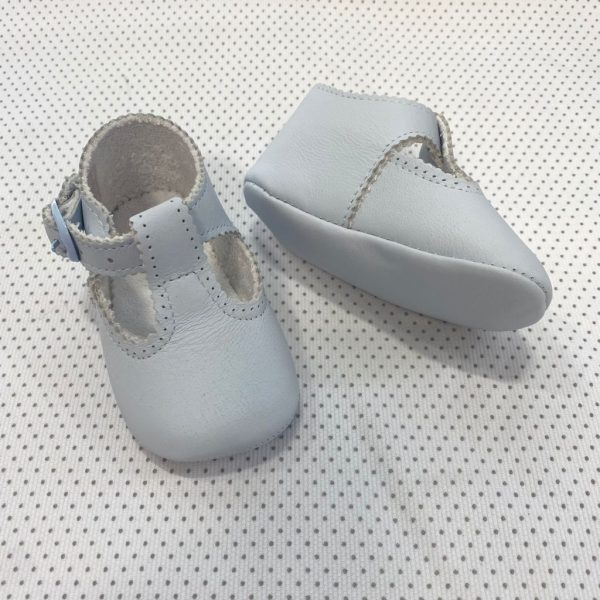 Zapatos tipo pepito celeste