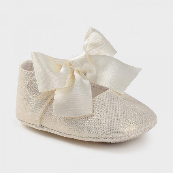 Zapatos de tipo mercedita de ceremonia nácar
