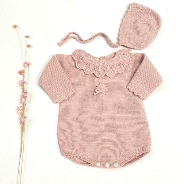 Pelele corto manga larga cuello volante de punto dralón rosa palo