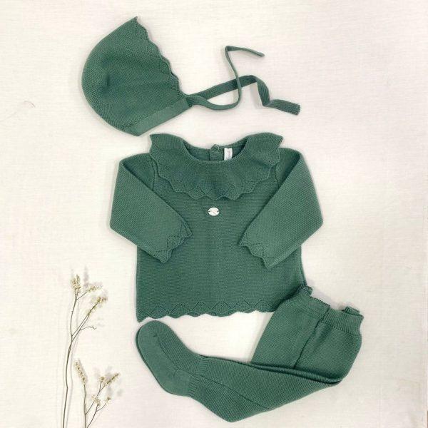Conjunto tres piezas, cuello volante punto invierno verde