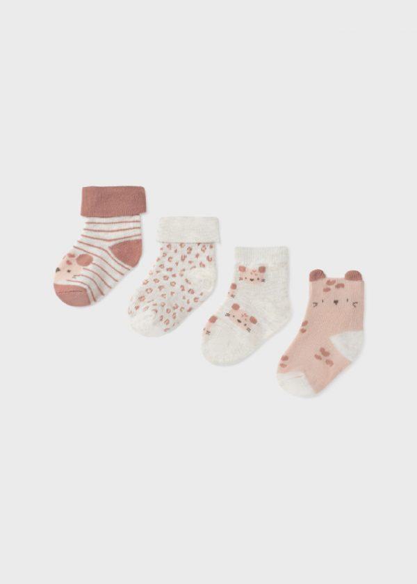 Set de cuatro pares de calcetines con diseño estampado