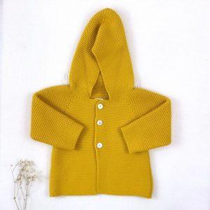 Abrigo trenca punto invierno botones y capucha mostaza