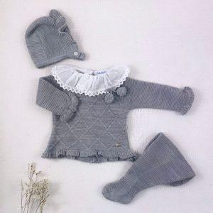 Conjunto tres piezas punto invierno cuello plumeti jersey polaina y capota a juego gris