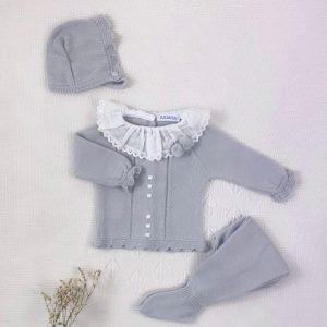 Conjunto tres piezas punto invierno cuello plumeti jersey polaina y capota a juego perla